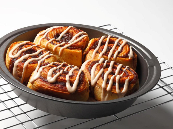 Easy Apple Cinnamon Buns