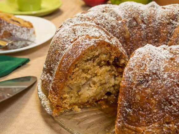 Apple & Spice Bundt Cake